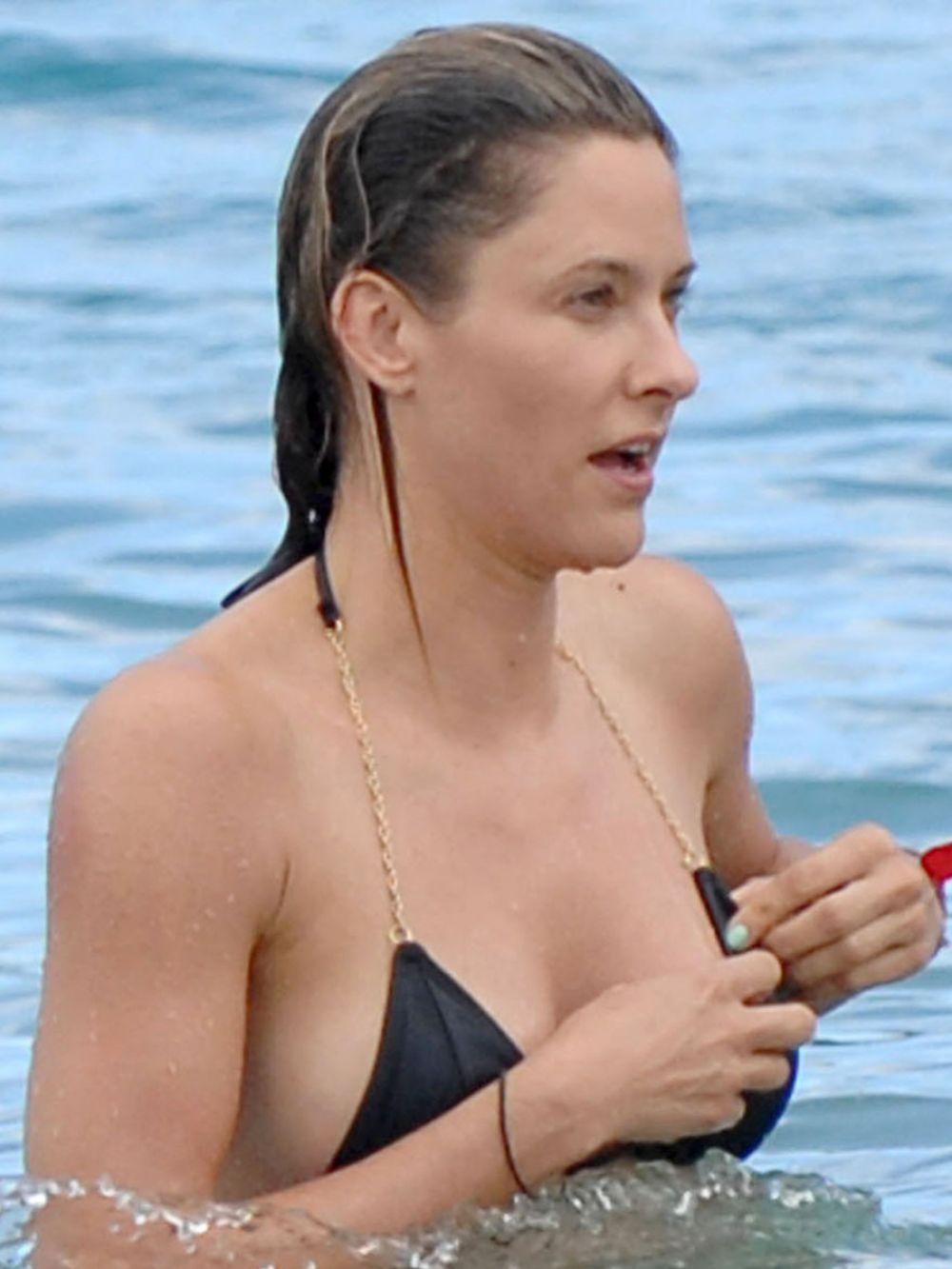 Jill Wagner Nude Photos 82