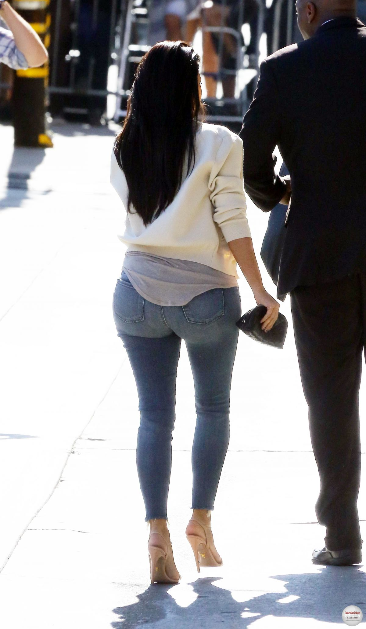 Kim Kardashian Ass In Tight Jeans KIM KARDASHIAN ...