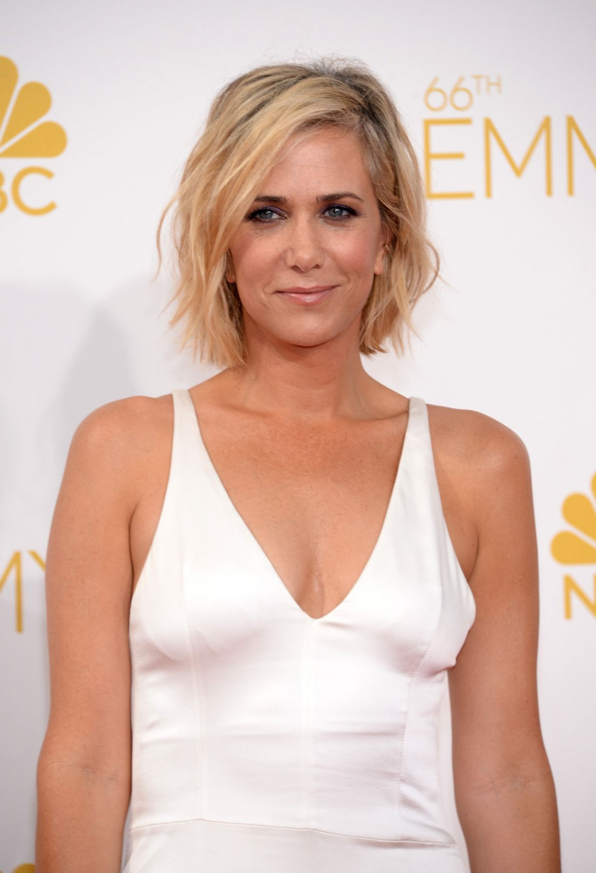 KRISTEN WIIG at 2014 Emmy Awards - HawtCelebs - HawtCelebs