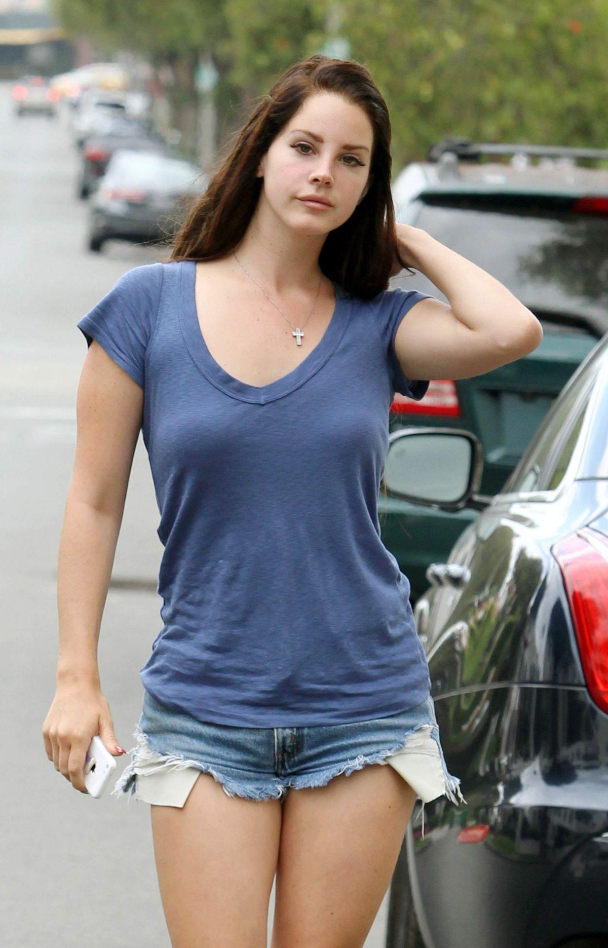 Lana Del Rey In Denim Shorts Out In Los Angelews Hawtcelebs