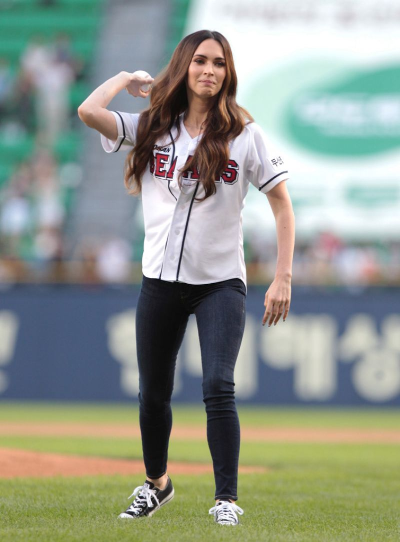 MEGAN FOX Throws 1st Pitch at LG Twins vs Doosan Bears Game in Seoul