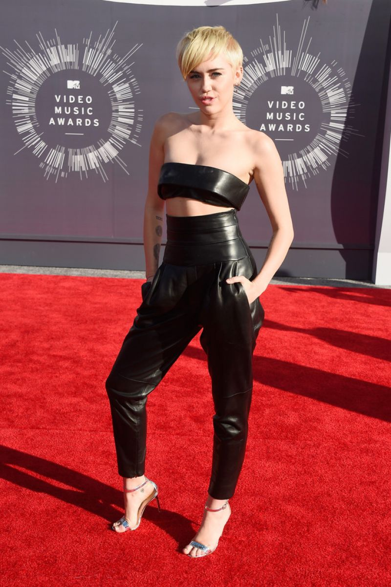MILEY CYRUS at 2014 MTV Video Music Awards - HawtCelebs