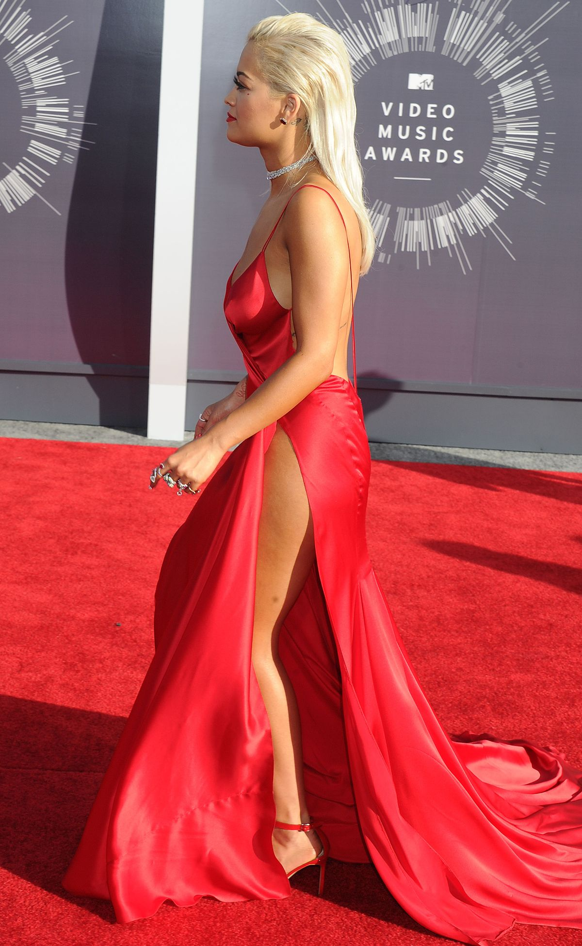 RITA ORA at 2014 MTV V... Nicole Scherzinger Facebook