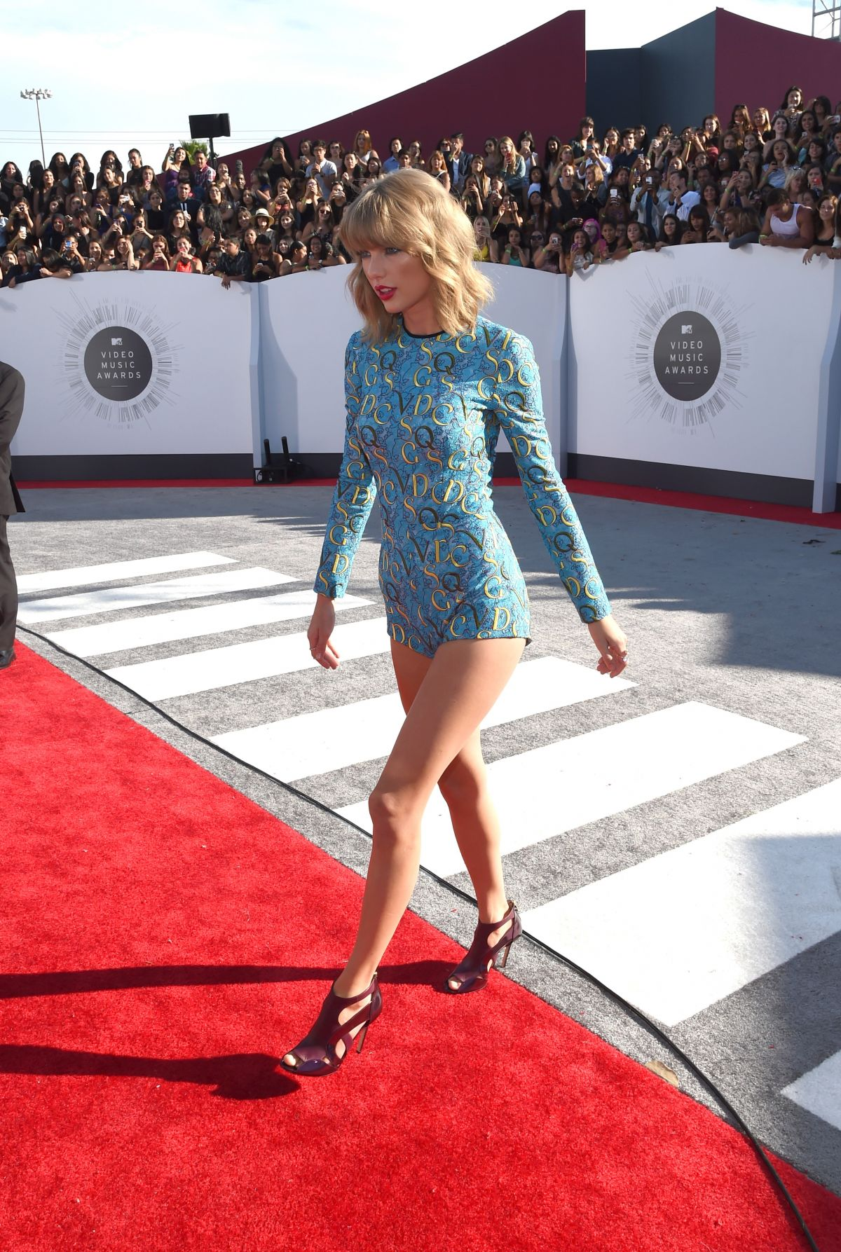 Taylor swift at 2014 mtv video music awards