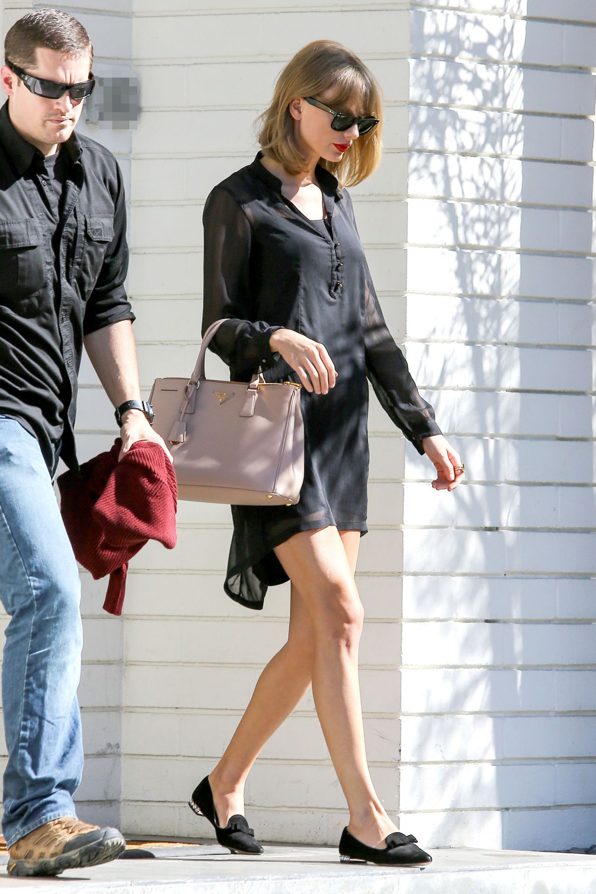 taylor swift out and about in beverly hills hawtcelebs. Black Bedroom Furniture Sets. Home Design Ideas