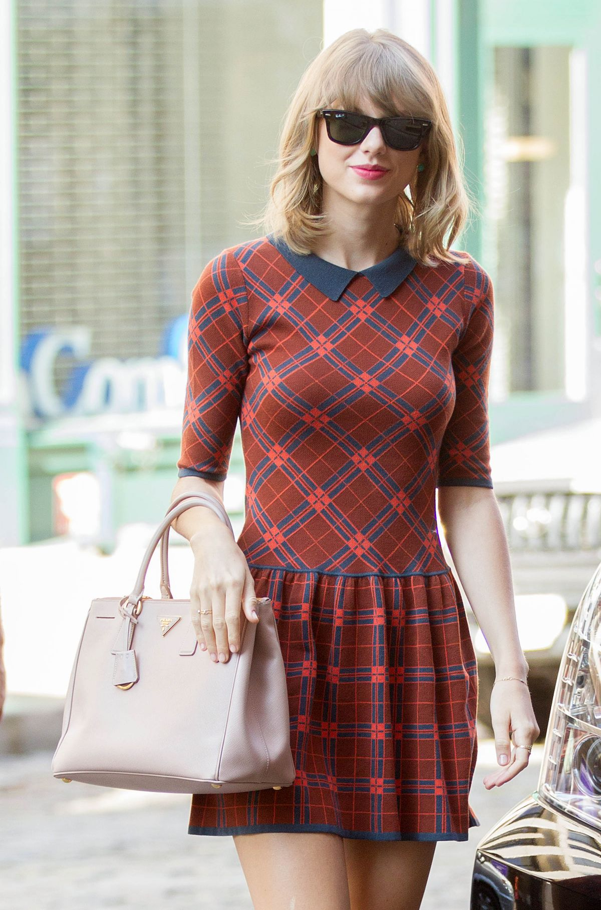 TAYLOR SWIFT Out in New York 1408