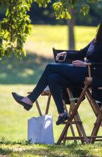 ANNE HATHAWAY on the Set of The Intern in New York 1809