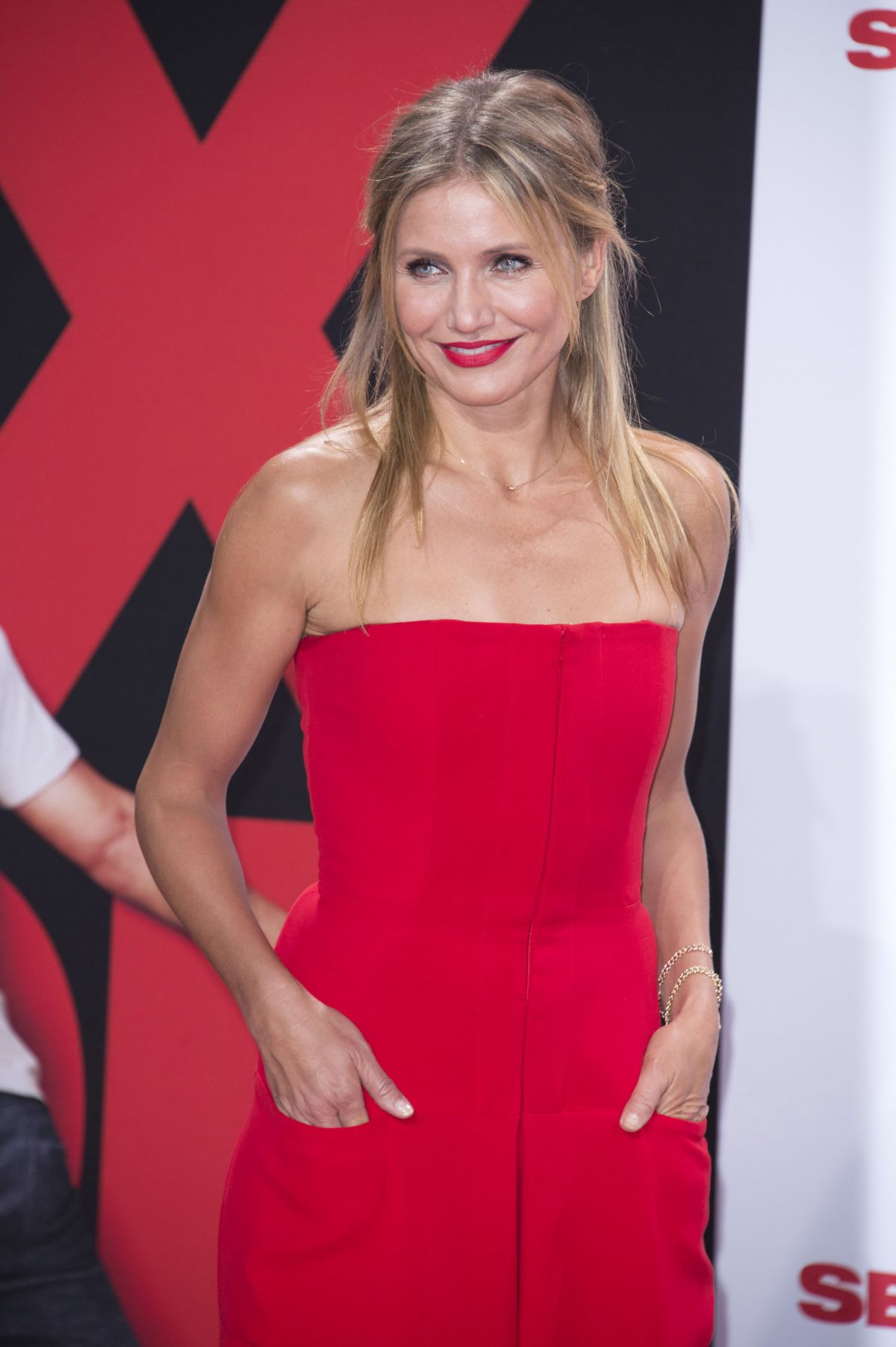 cameron diaz at s x tape premiere in berlin hawtcelebs. Black Bedroom Furniture Sets. Home Design Ideas