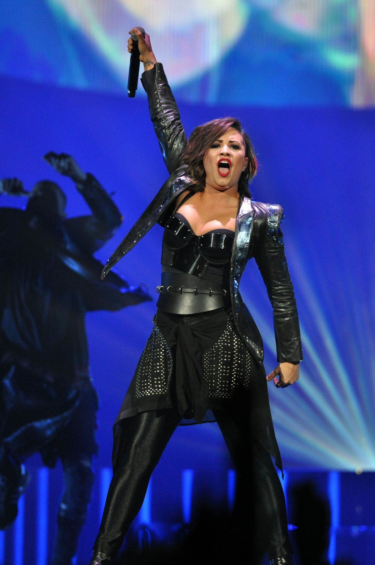 Demi Lovato Performs In Raleigh Hawtcelebs