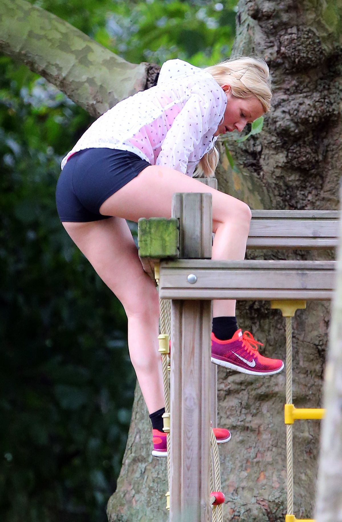 ELLIE GOULDING Working Out at a Park in London
