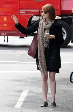 EMMA STONE Hailing a Cab in New York