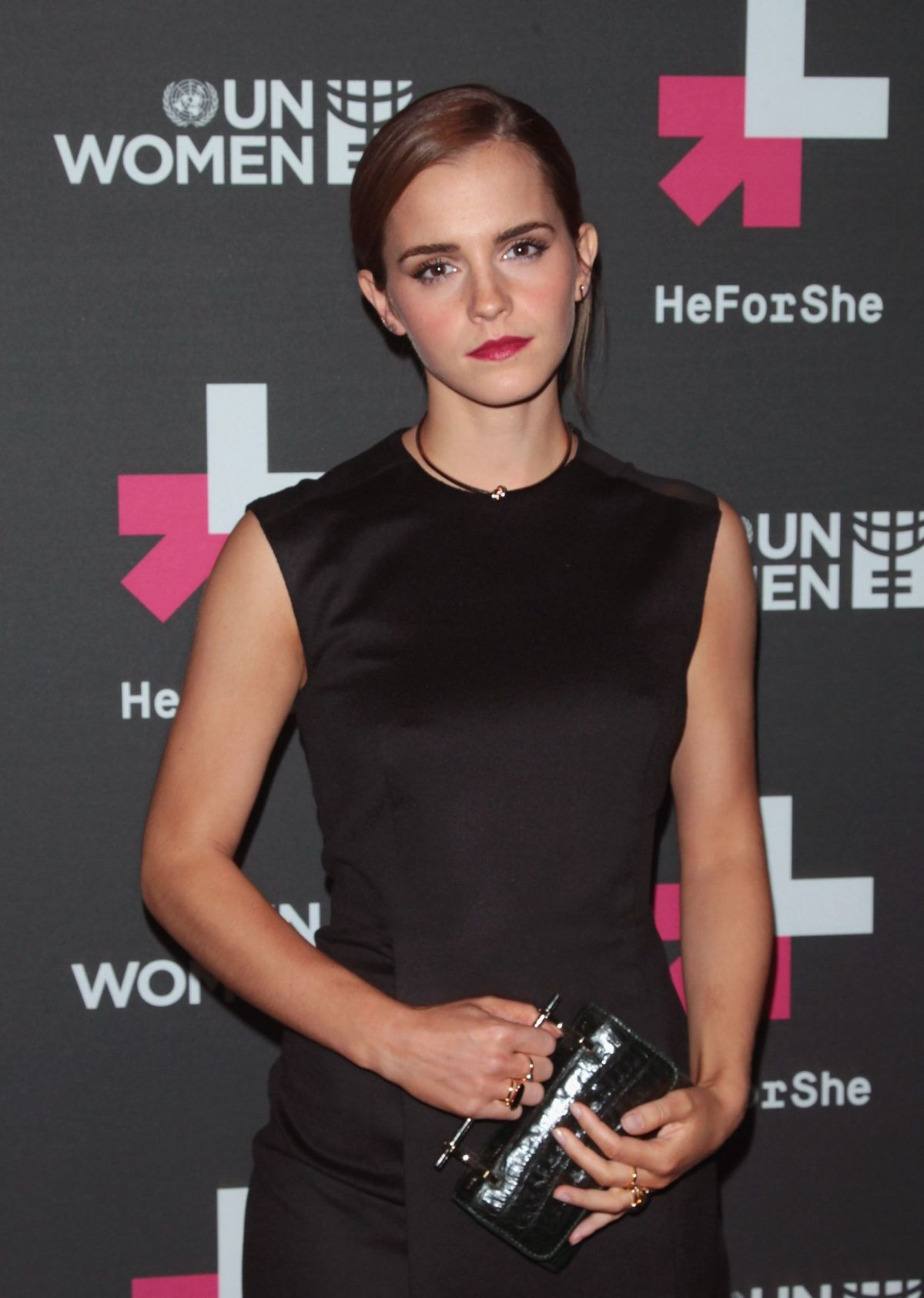 Umpolen – den Minuspol mit dem Pluspol vertauschen - Seite 18 Emma-watson-at-un-women-s-heforshe-vip-party-in-new-york_11