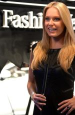 HEIDI WATNEY at Pandora Jewelry at Mercedes-benz Fashion Week in New York