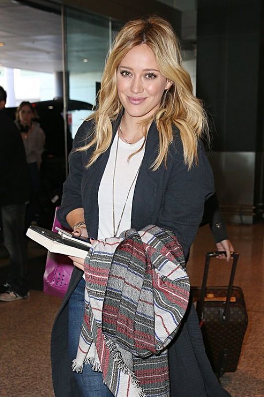 HILARY DUFF at Sydney Airport