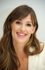 JENNIFER GARNER at Alexander and the Terrible... Day Press Conference in Beverly Hills