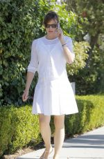 JENNIFER GARNER Out and About in Santa Monica 1709