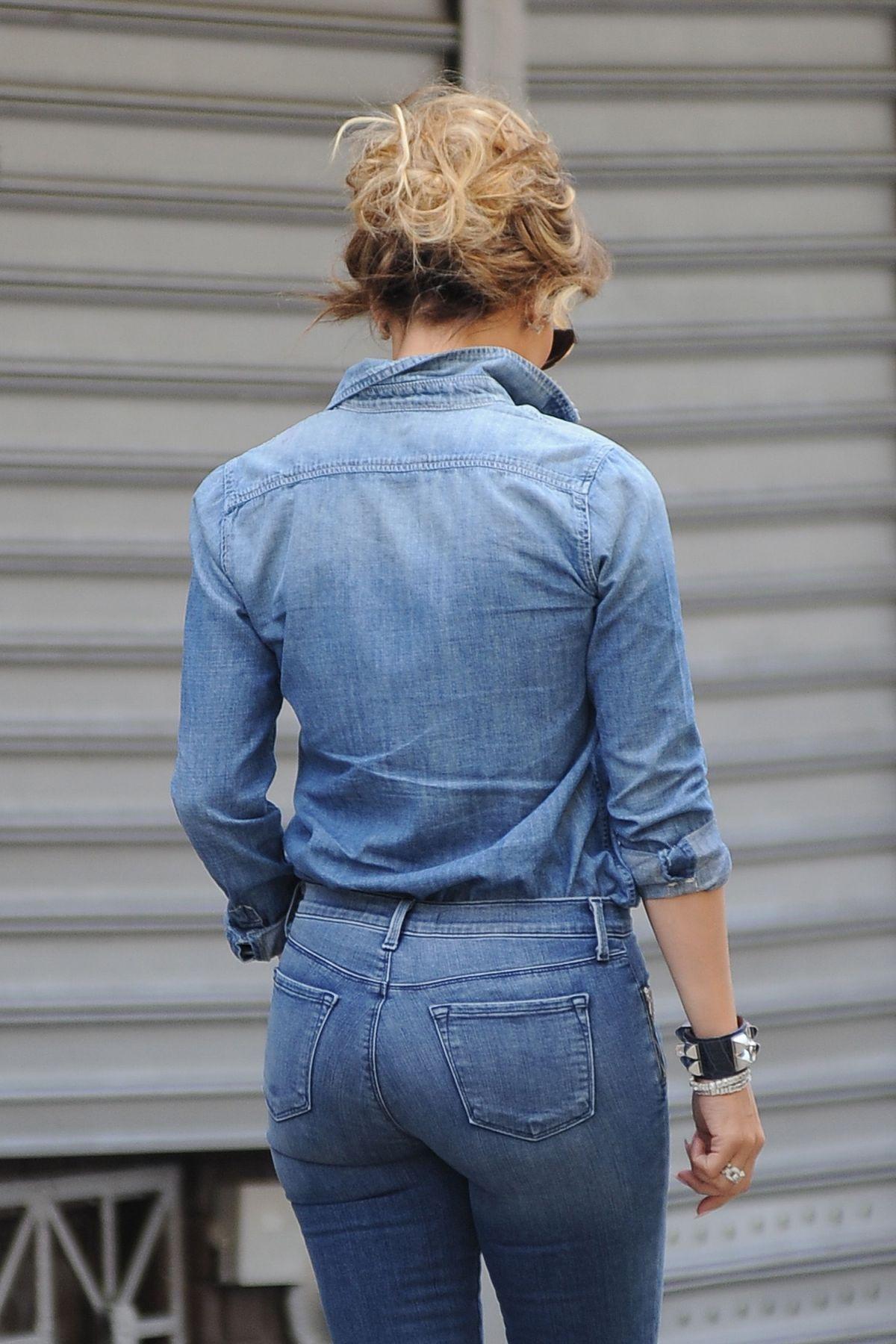 jennifer lopez jeans