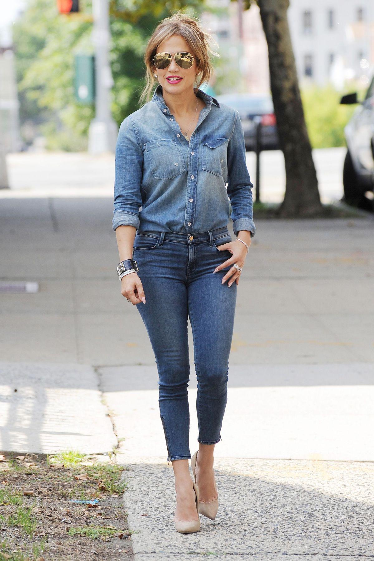 Jennifer Lopez In Jeans