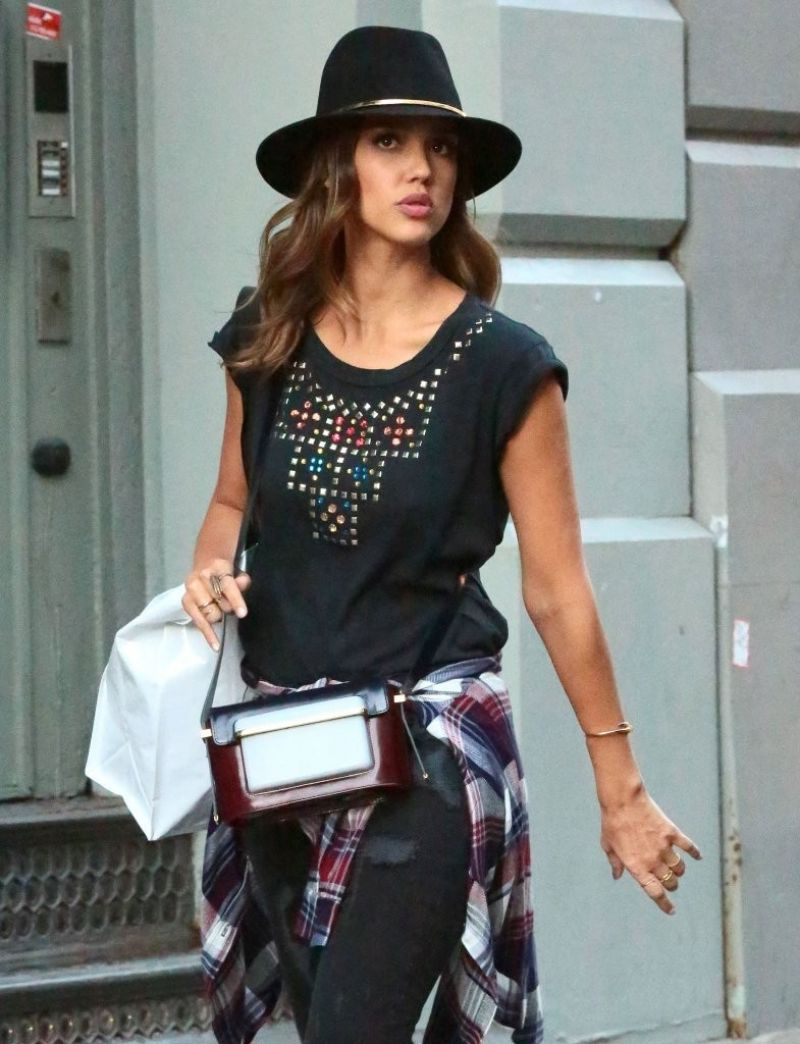 JESSICA ALBA Out in New York 2609