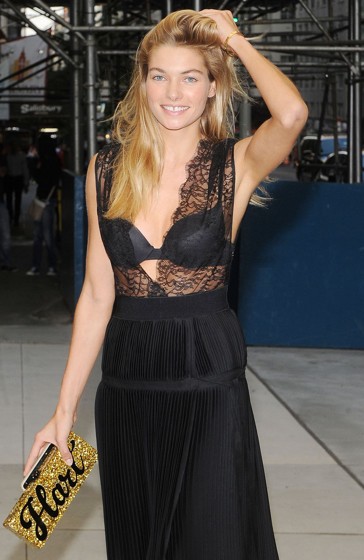 JESSICA HART at Fashion Media Awards in New York