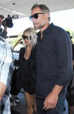 JESSICA SIMPSON Arrives at Los Angeles international Airport 2909