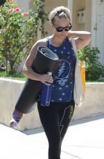 KALEY CUOCO Leaves Yoga Class in Sherman Oaks 2909