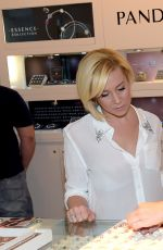 KELLIE PICKLER at Pandora Jewelry Best Friends Shopping Spree in Nashville