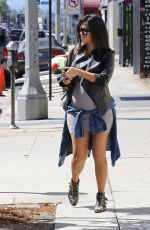 KOURTNEY and KHLOE KARDASHIAN Out for Lunch at Joan