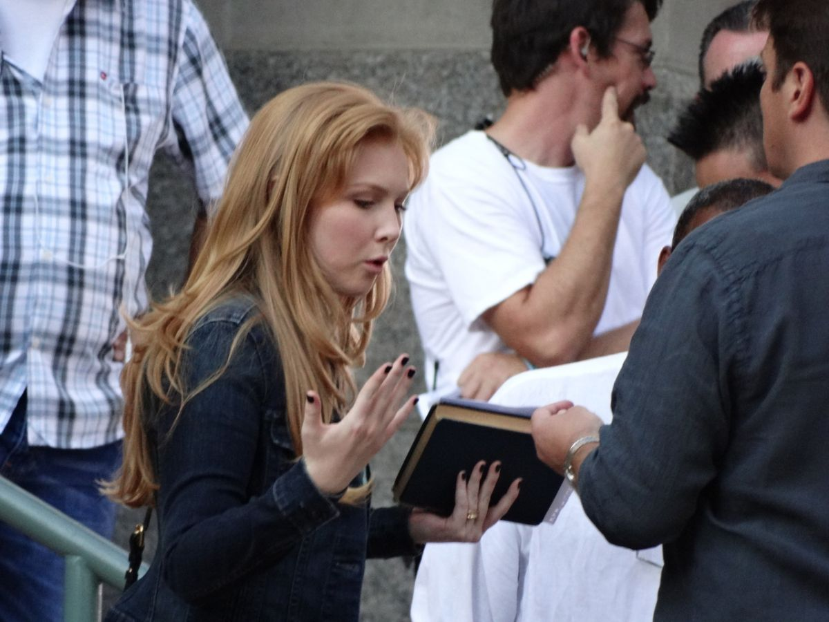MOLLY QUINN on the Set of Castle