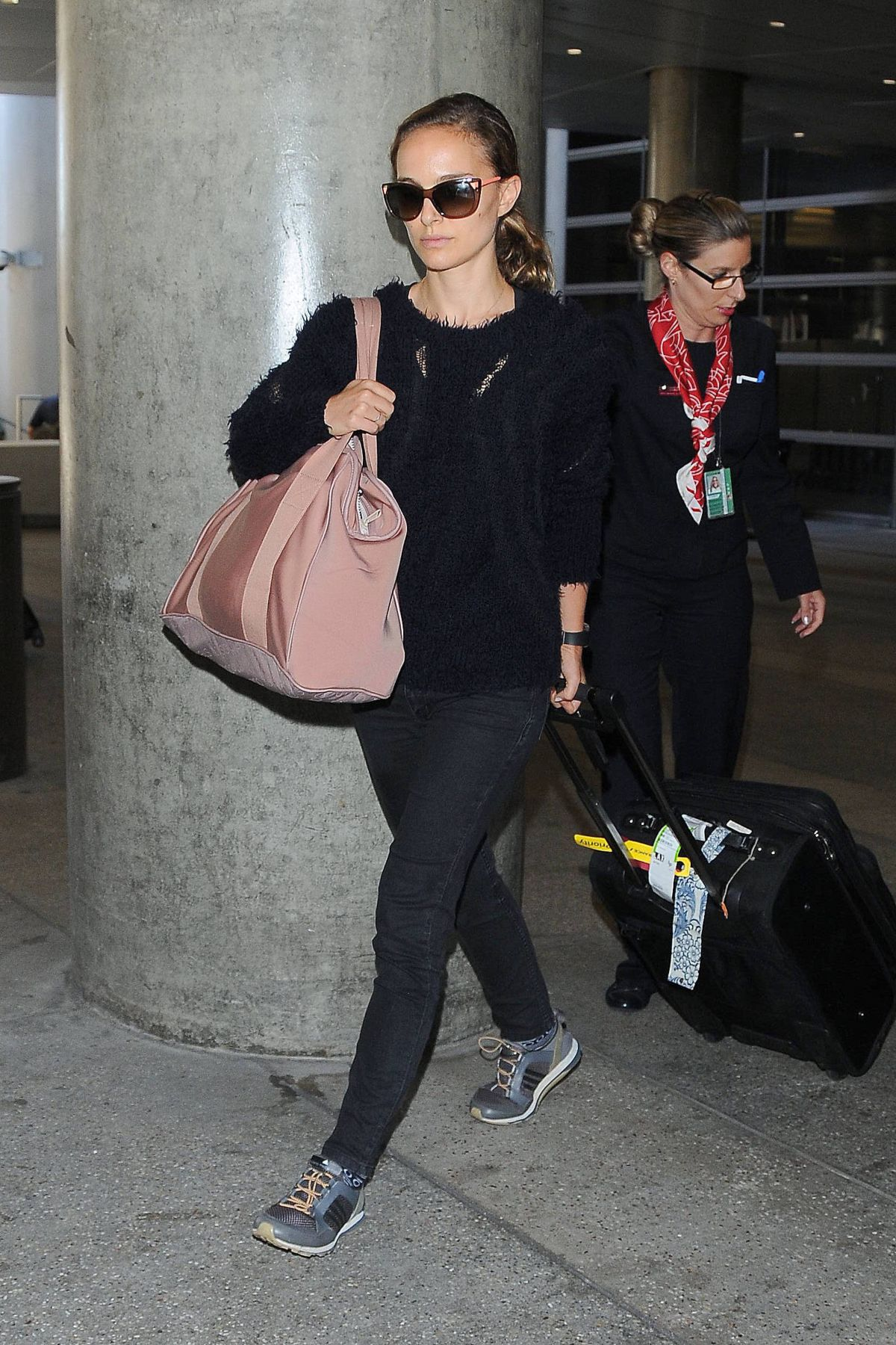 NATALIE PORTMAN Arrives at LAX Airport in Los Angeles 0909