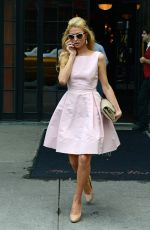 PARIS HILTON Leaves Her Hotel in New York 0809
