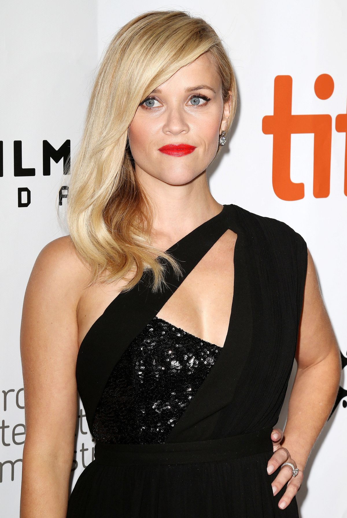 REESE WITHERSPOON at Wild Premiere in Toronto - HawtCelebs ...