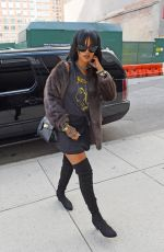 RIHANNA Arrives at a Recording Studio in Chelsea