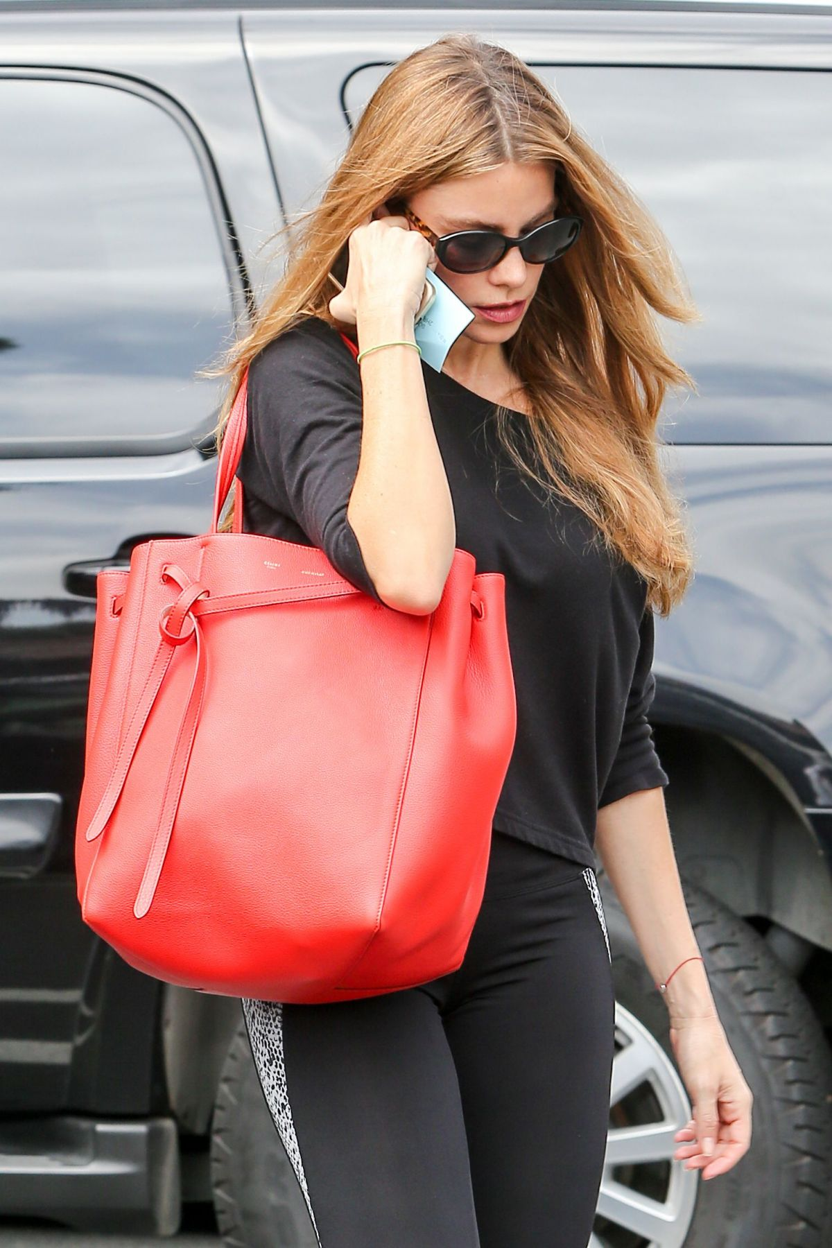 SOFIA VERGARA in Tights Arrives at a Gym in Los Angeles