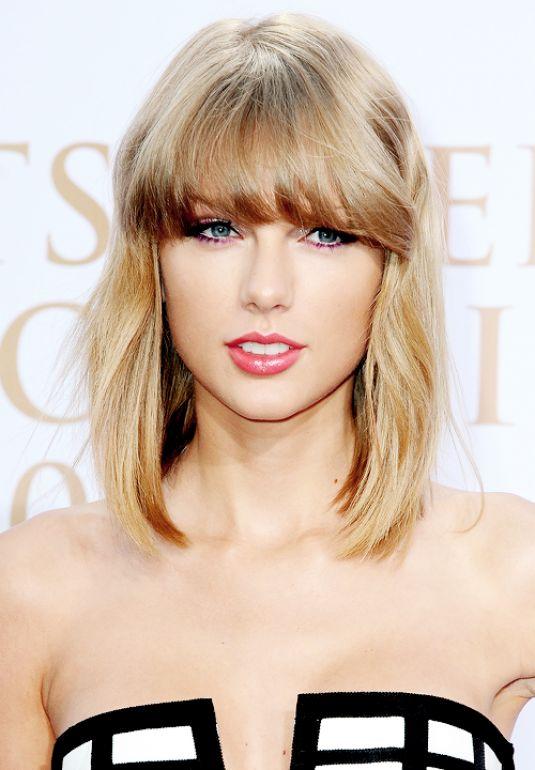Taylor Swift At 2014 German Radio Awards In Hamburg