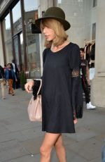 TAYLOR SWIFT Out and About in London
