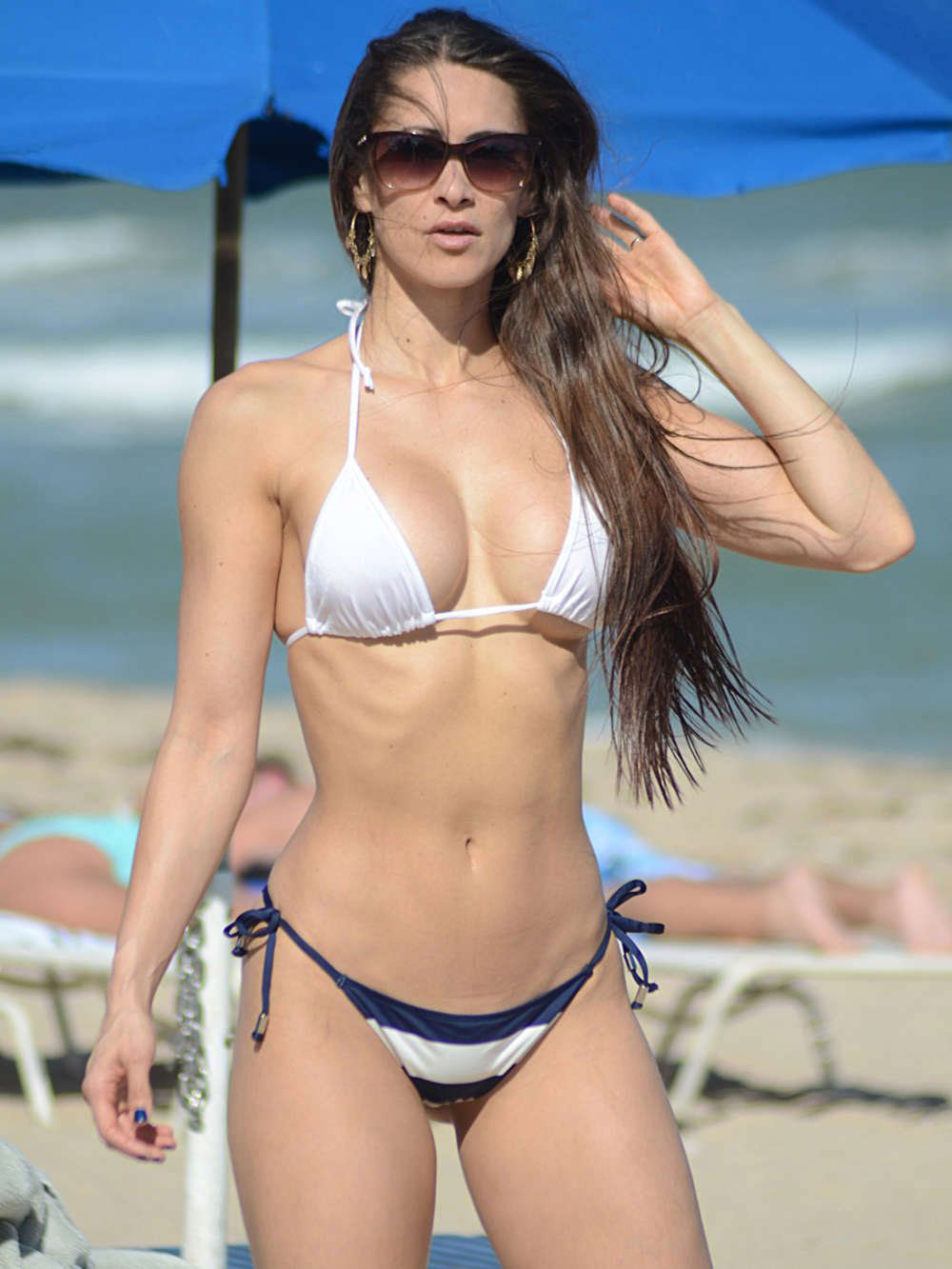anais zanotti in bikini at a beach in miami   hawtcelebs   hawtcelebs