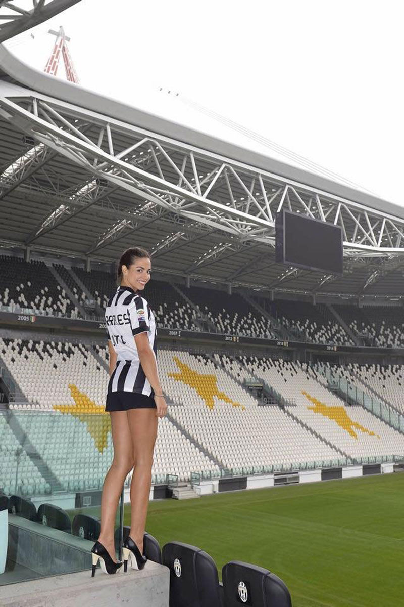 [Obrazek: LAURA-BARRIALES-at-Juventus-TV-1.jpg]