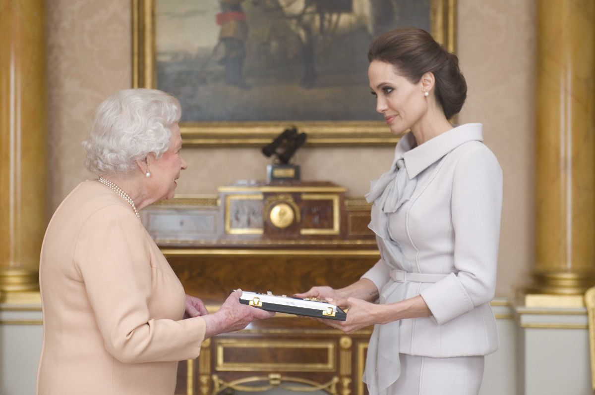 ANGELINA JOLIE Meets Queen Elizabeth II at Buckingham Palace