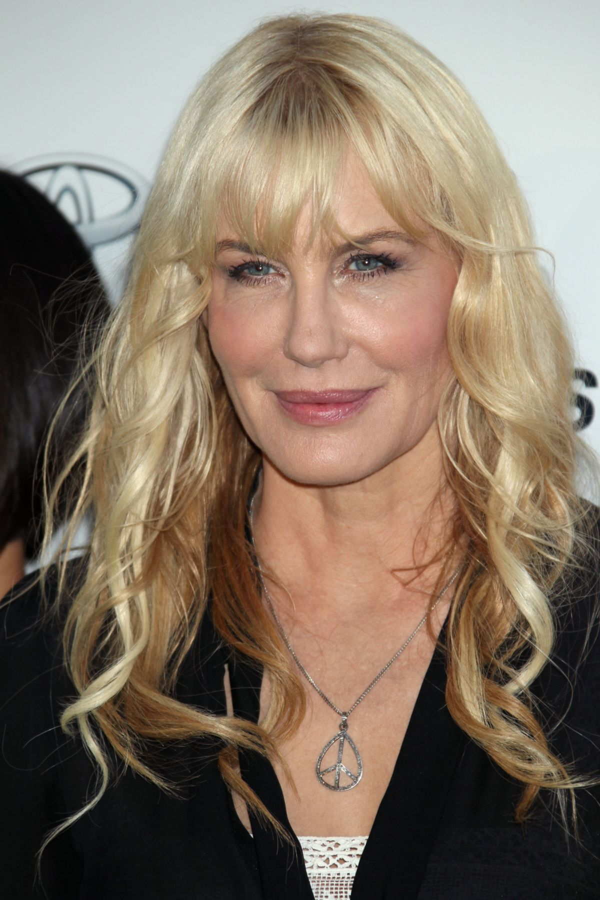 daryl-hannah-at-environmental-media-awar