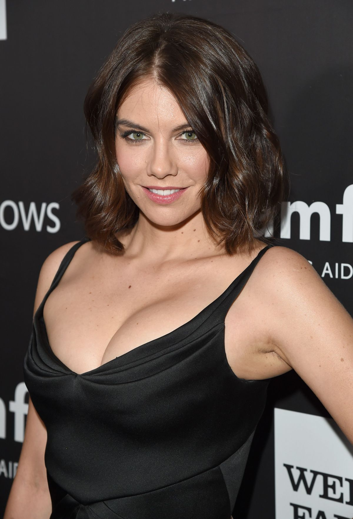 Lauren Cohan earned a  million dollar salary, leaving the net worth at 2 million in 2017