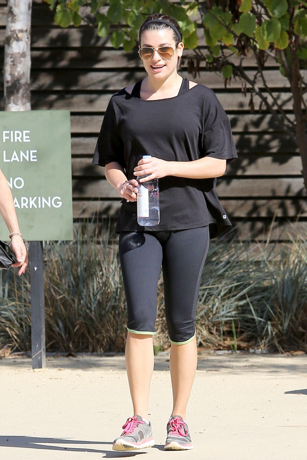 326cd54340 LE MICHELE in Leggings Out Hiking in Los Angeles - HawtCelebs