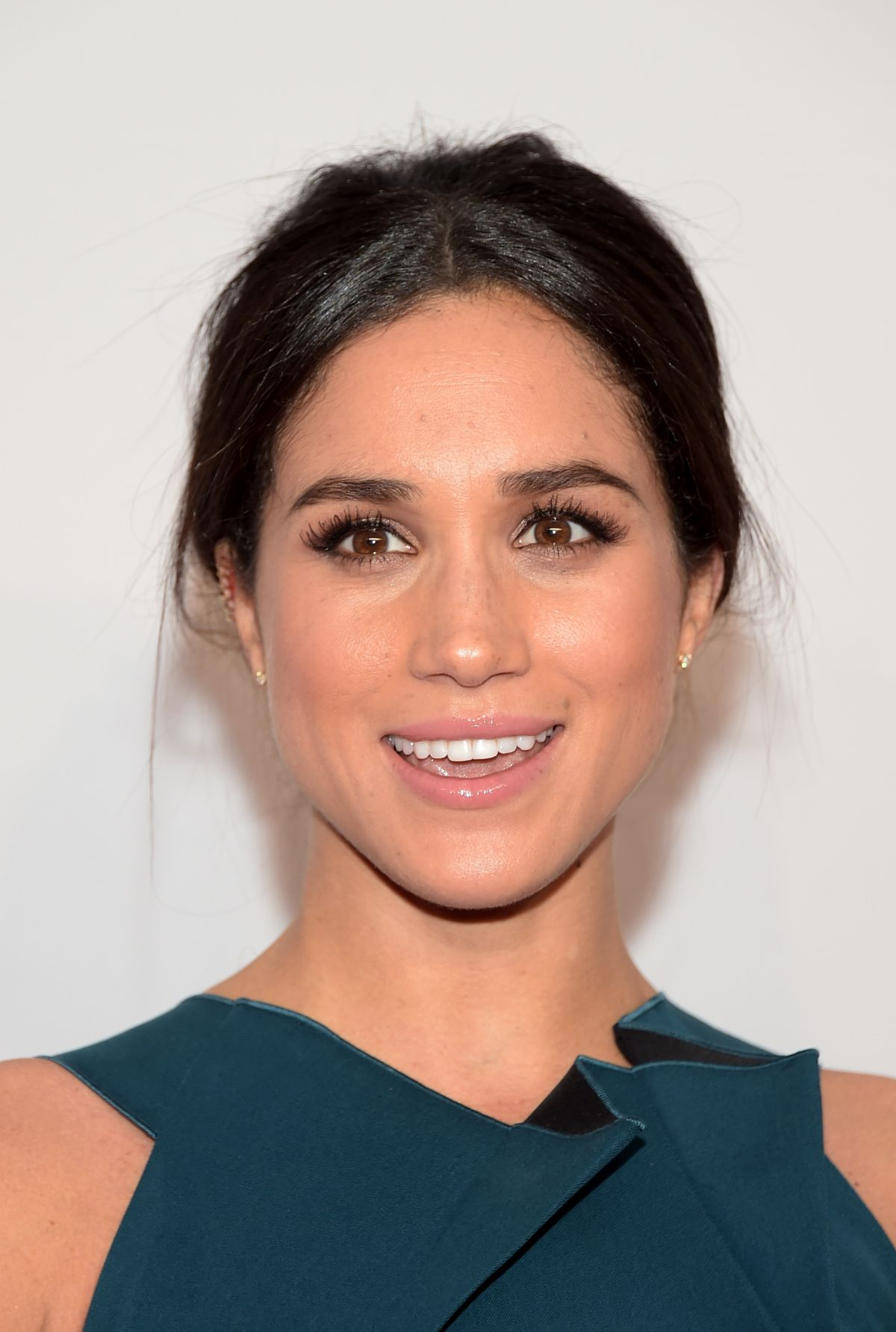 MEGHAN MARKLE at 2014 An Enduring Vision Benefit in New York ...