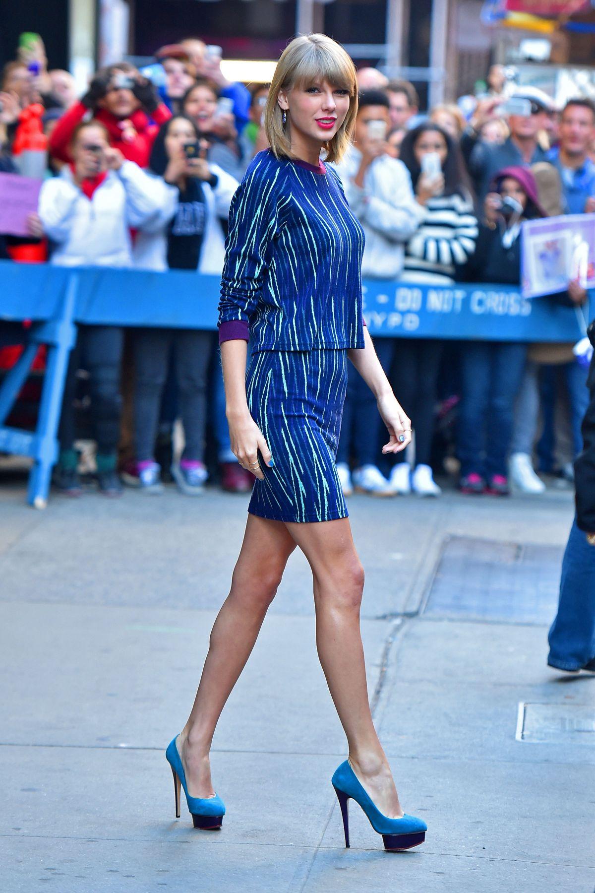 Good Morning America New York : Taylor swift arrives at good morning america in new york