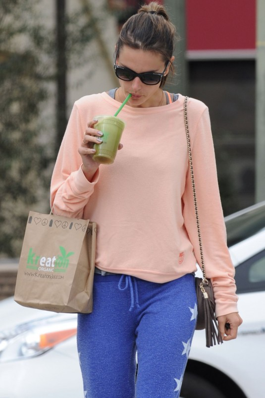 ALESSANDARA AMBROSIO Leaves a Cycling Class