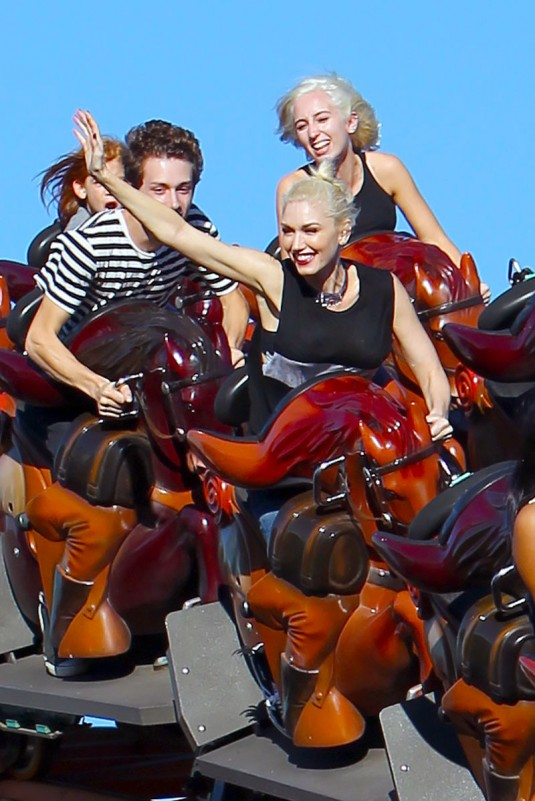 GWEN STEFANI at Knott's Berry Farm