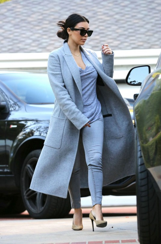 KIM-KARDASHIAN-Out-and-About-in-Beverly-Hills-9