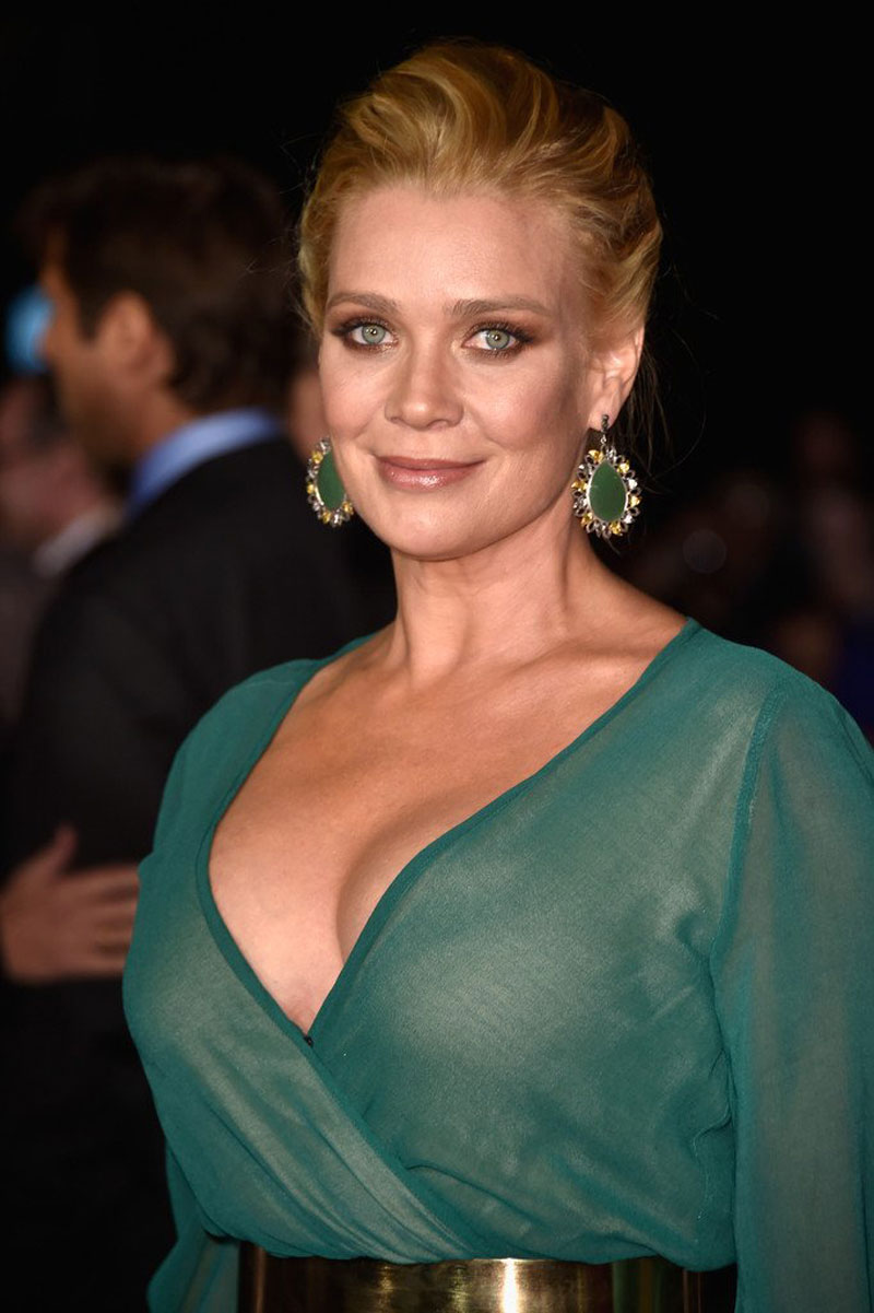 LAURIE-HOLDEN-at-Dumb-And-Dumber-To-Prem