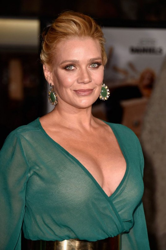 LAURIE HOLDEN at Dumb And Dumber To Premiere