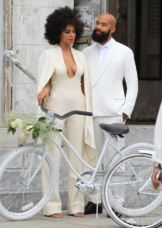 SOLANGE KNOWLES and Alan Ferguson Out in New Orleans